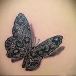 Тату на попе бабочка