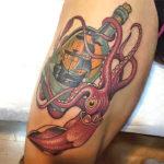 татуировка осьминог с бутылкой рома