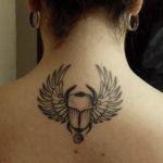 Египетская тату жук скарабей на спине