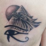 Египетская тату пирамида, птица и глаз