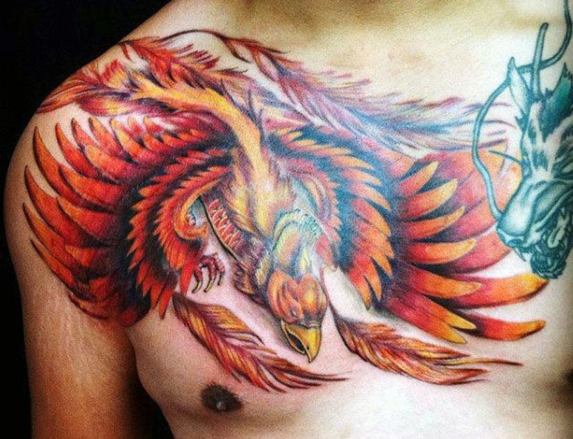 Мужская татуировка птицы феникс