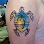 Тату черепахи на плече