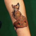 Тату лисы на руке