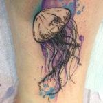 Тату медуза на лодышке