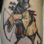 Тату мышь с луком и стрелами
