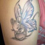 Тату мышь с крыльями
