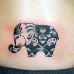 Тату на удачу слон