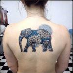 Татуировка слона с мандалами