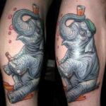 Тату слона с пивом