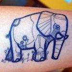 Слон в стиле геометрия