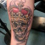 Тату смерть, череп с короной