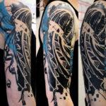 Татуировка медузы в черном стиле