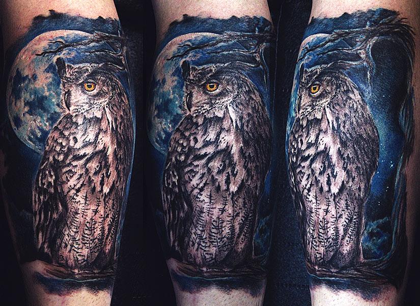 Татуировка ночной совы на фоне луны