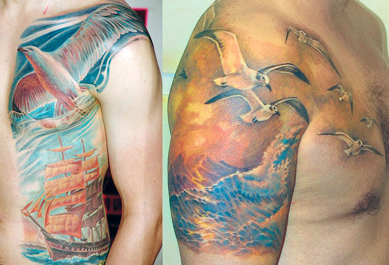 Татуировка с чайками над морем и корабль с поднятыми парусами