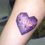 Тату алмаз в форма сердца