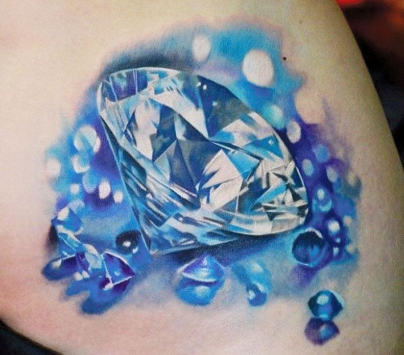 Тату алмаз с голубым оттенком
