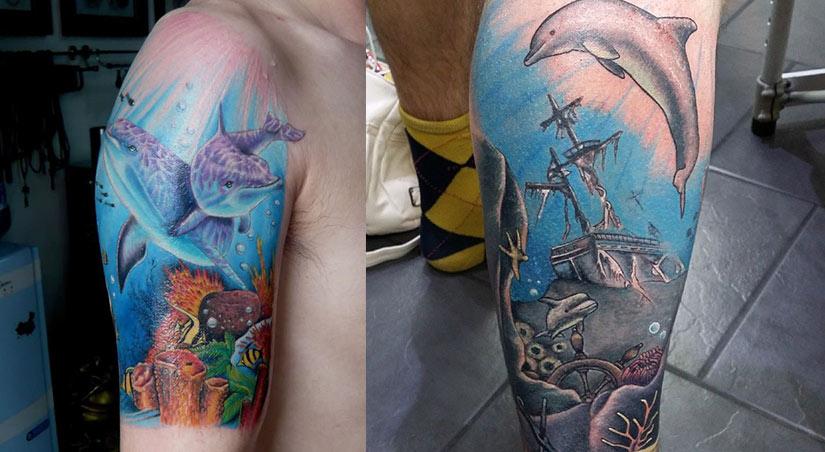 Тату дельфинов с рыбками и затонувшим кораблем