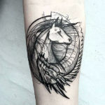 Татуировка единорога в стиле графика
