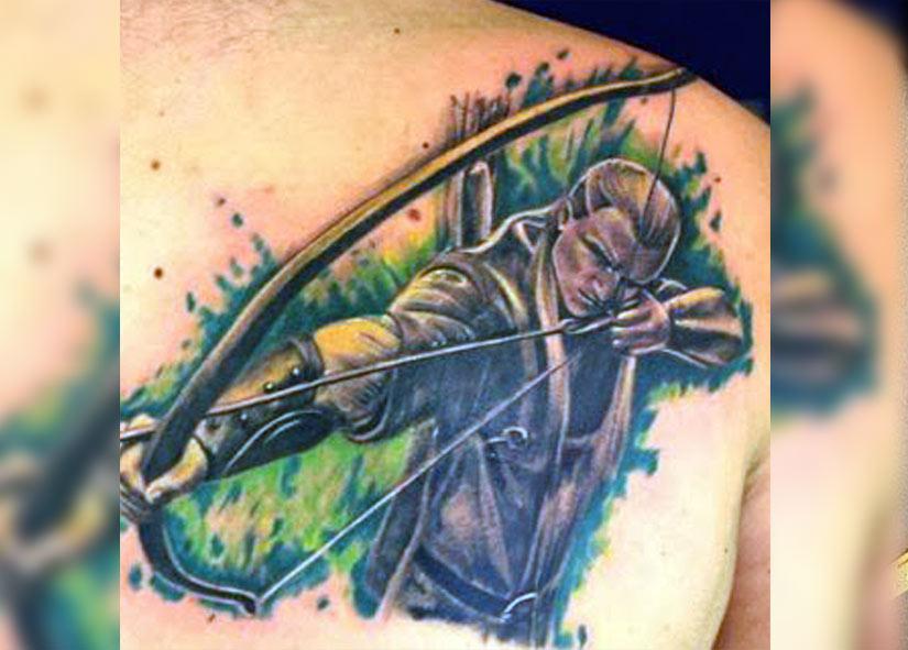 Тату эльф с стрелами