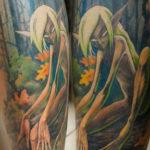 Татуировка эльфа в лесу