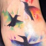 Три татуировки с колибри в стиле акварель