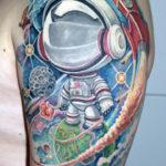 Тату с ребенком космонавтом