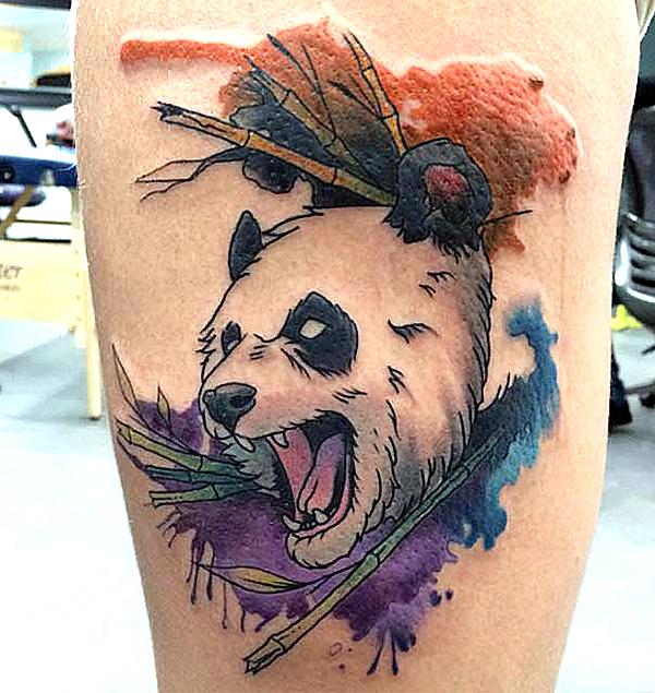 Панда с оскалом