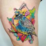 Разноцветные кристаллы и птичка