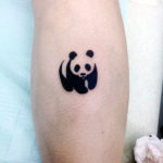 Тату черно-белой панды