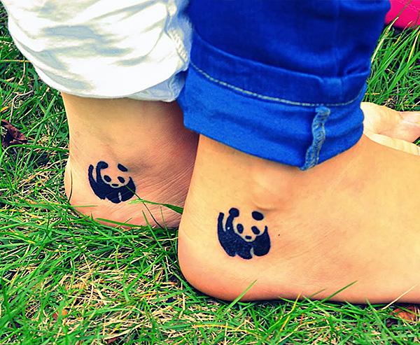 Наколка панды в знак дружбы