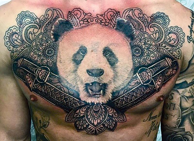 Тату панды на грудине