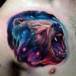 Тату медвежей морды в космосе
