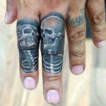 Два скелета в знак вечной любви