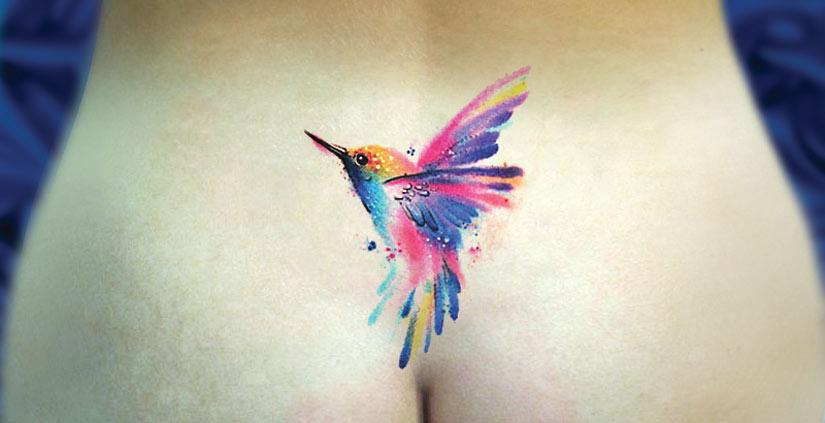 Маленькая татуировка колибри