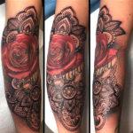 Крутой женский орнамент с розой