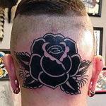 Тату черной розы