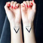 Треугольники на запястье