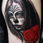 Татуировка чикано с девушкой и розой