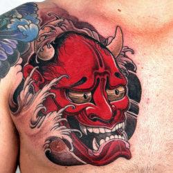 Красная маска демона