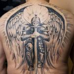 Ангел с мечем