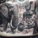 Тату слона и жирафа, реализм