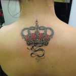 Женская тату короны