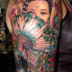 Цветная тату японки с веером