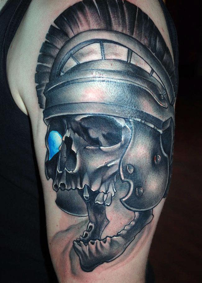 Череп гладиатора в шлеме