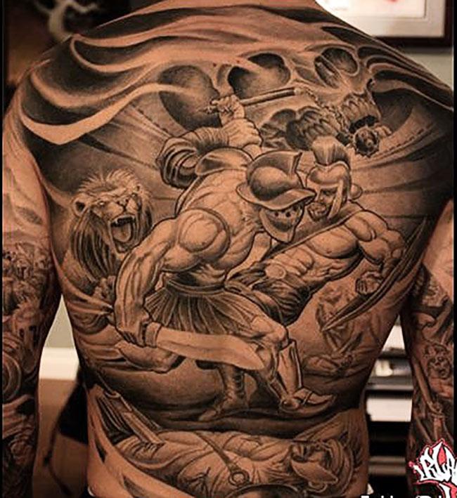 Бой Спартака, тату на спине