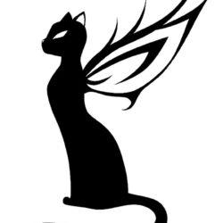 Черно белый эскиз тату кошка с крыльями