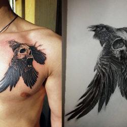 Черно-белая татуировка ворона
